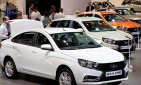 Минпромторг России напомнил о выгодах приобретения новых автомобилей