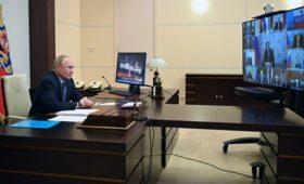 Путин обсудил на совещании Совбеза борьбу с COVID-19