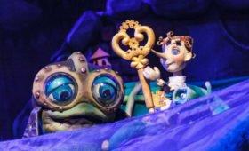 Сказка, которая дает подсказку: трансляция спектакля «Приключения Буратино»