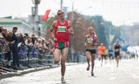 «Это нормально»: британская бегунья в свои 80+ продолжает тренировки