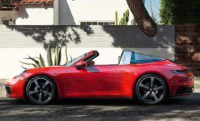 Porsche в режиме онлайн презентовал новый спорткар 911 Targa