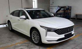 Растерявший покупателей седан FAW возвращается с дизайном Cadillac и новым мотором