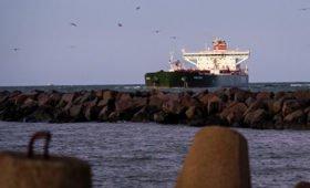 Первый танкер с американской нефтью для Белоруссии прибыл в порт Литвы