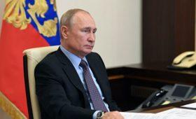 Путин во вторник пообщается с главой Сбербанка и ростовским губернатором