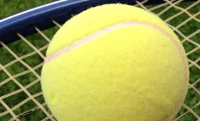 Обошел Роналду и Месси: Федерер стал богатейшим спортсменом