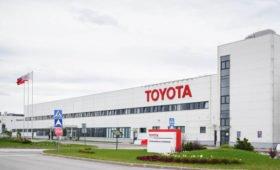 Российские дилеры Toyota возобновили работу: процесс продажи машин изменён