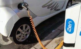Все заправки Германии обеспечат зарядками для электромобилей
