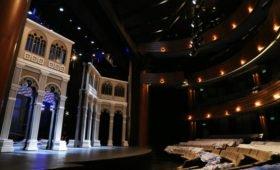 В кишиневском театре разгорелся скандал: актеры обвинили директора в воровстве