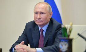 Путин требует от всех госслужащих полной открытости, заявил Песков