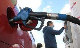 Росстат сообщил о росте цен на бензин