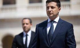 В Раде призвали Зеленского извиниться и уйти в отставку
