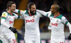 «Локомотив» второй год подряд выиграл серебро чемпионата России по футболу
