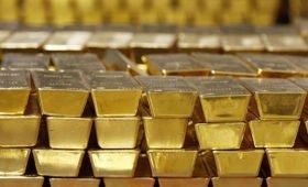 Россия снимает слитки: золото рекордно подорожало