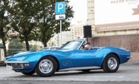 Скорость вместо тьмы: в Канаде слепой прозрел и купил яркий спорткар