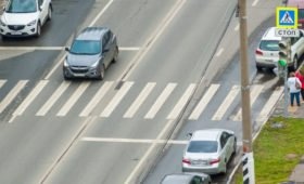 В ГИБДД России разъяснили штрафы водителям за нарушения на «зебре»