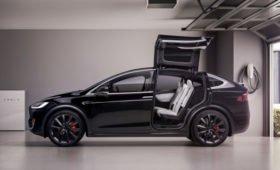 Качество и сервис — ужасные: клиенты Tesla подают в суд на производителя