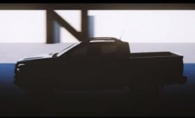 Новый пикап Nissan Navara сбросил камуфляж: в стиле Titan, пока без светодиодных «подков»