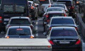 В Москве на спецстоянки в сентябре переместили почти 600 авто премиум-класса