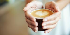 Названы самые вредные утренние привычки