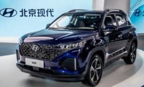 Кроссовер Hyundai ix35 и седан Mistra: смена имиджа и огромные планшеты