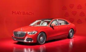 Новый Mercedes-Maybach S-Class: массаж икр, фары-рисовальщики и последняя гастроль V12